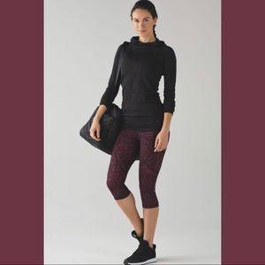 Lululemon Outrun Crop Leggings Size 4 Purple Black